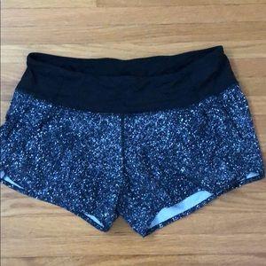 Lululemon shorts black spotted 8